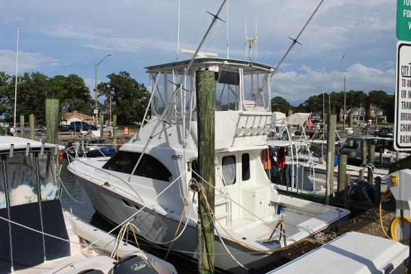 Luhrs Tournament 350 Convertible 350 Tournament