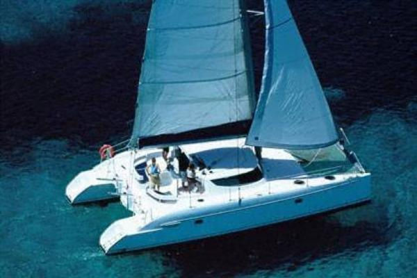 Fountaine Pajot LAVEZZI 40 On the water