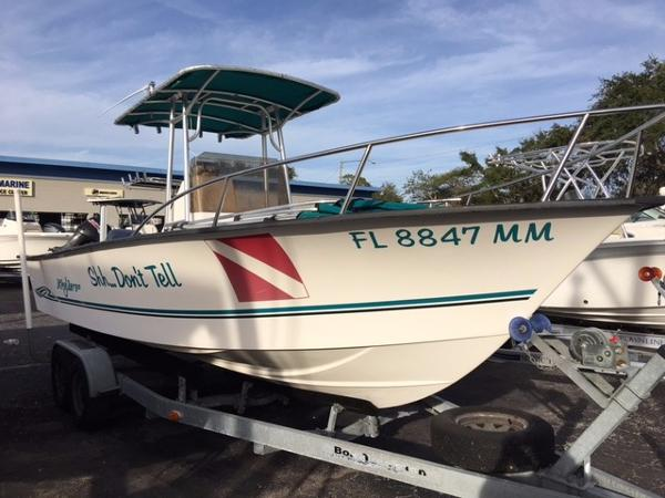 Key Largo 2300 Center Console