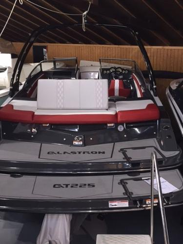 Glastron GTS225 BR GTS225 w/Extended Platform