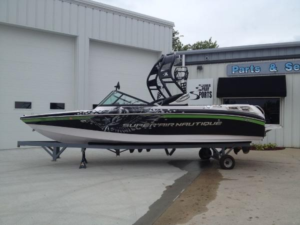 Nautique Super Air 210 Team Edition Open Bow