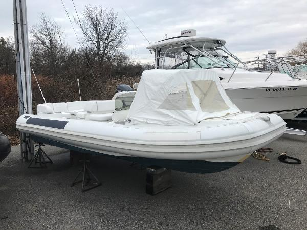 Castoldi 19 Starboard side w/ canopy up