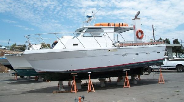 1977 32' Fiberglass EX USCG Charter Boat /Seating for 20 Passengers
