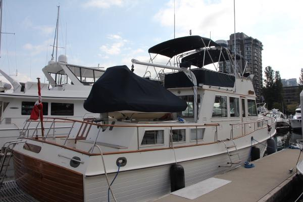 Grand Banks 49 Classic Starboard Side View