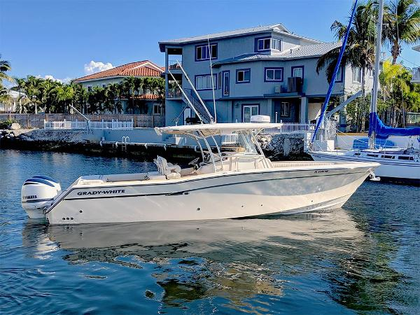 Grady-White Canyon 336 REPOWERED 2016 Starboard Profile