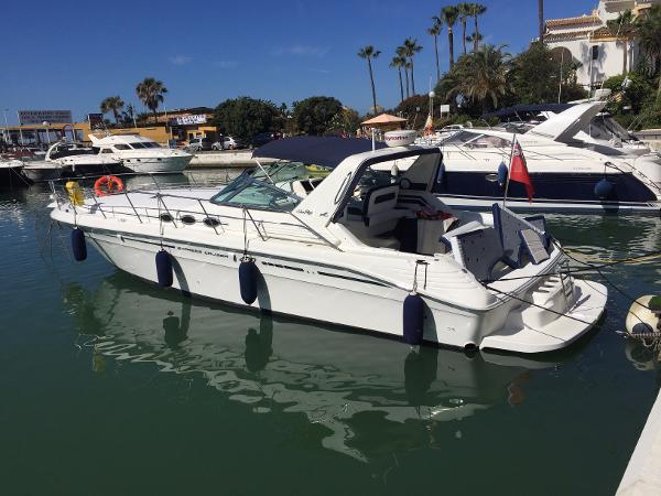 Sea Ray 400 Express Cruiser
