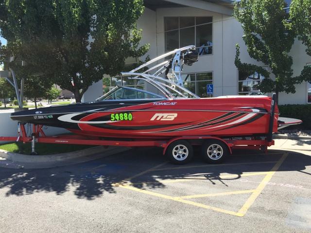 MB SPORTS Sport/Ski Boat F23 Tomcat