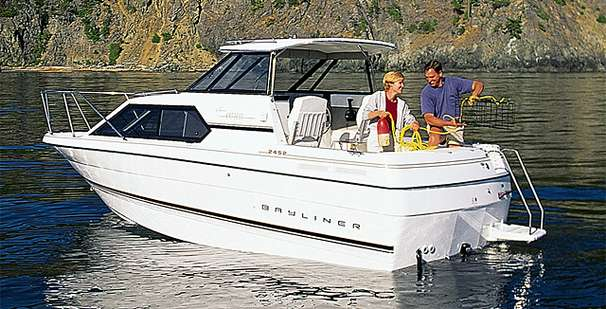 Bayliner 2452 Ciera Express Manufacturer Provided Image