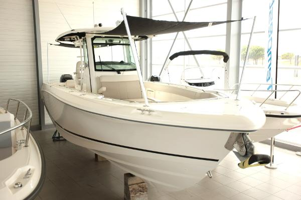 Boston Whaler 330 Outrage Boston Whaler 330 Outrage