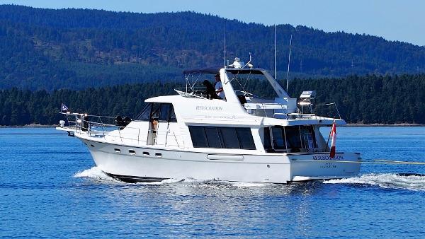 Bayliner 4788 Pilot House Motoryacht Profile
