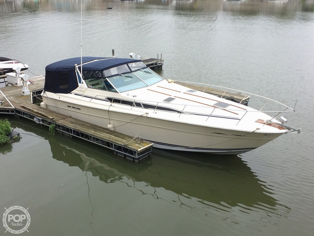 Sea Ray 390 Express Cruiser 1985 Sea Ray SR 390 Express Cruiser for sale in Marblehead, OH