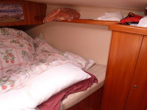 Forward cabin with double berth