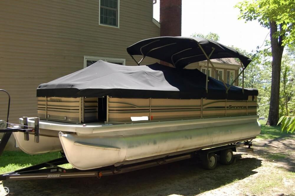 Godfrey Pontoon San Pan 2550 FE 2007 Godfrey Pontoon San Pan 2550 FE for sale in Brookfield, CT