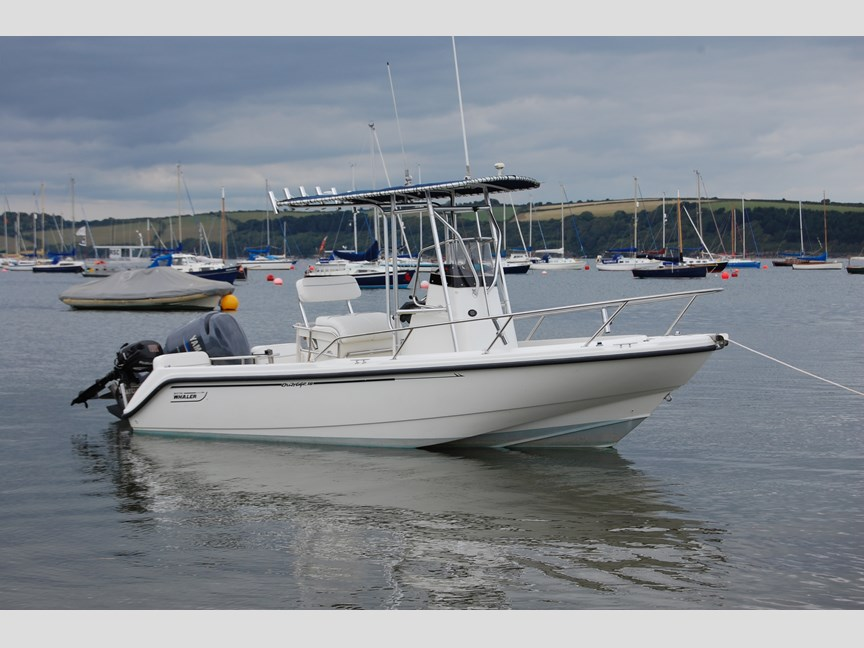 Boston Whaler Outrage 18 Boston Whaler Outrage 18