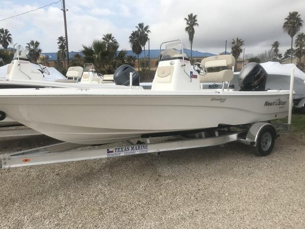 NauticStar 215 SHALLOW BAY 'TEXAS EDITION' W/115