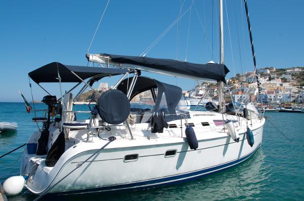 Luhrs Marine Hunter 38
