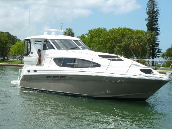Sea Ray 390 Motor Yacht
