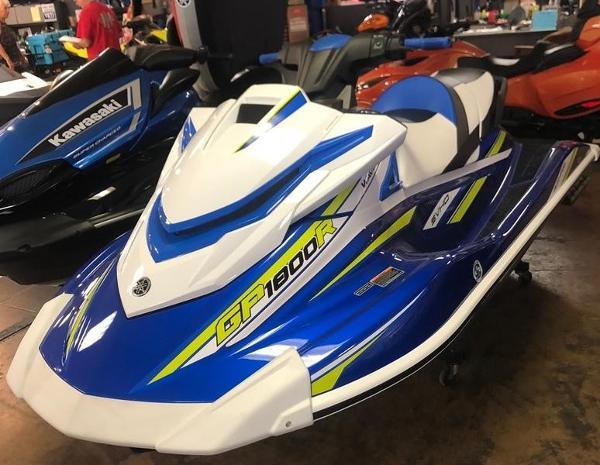 Yamaha WaveRunner GP1800R