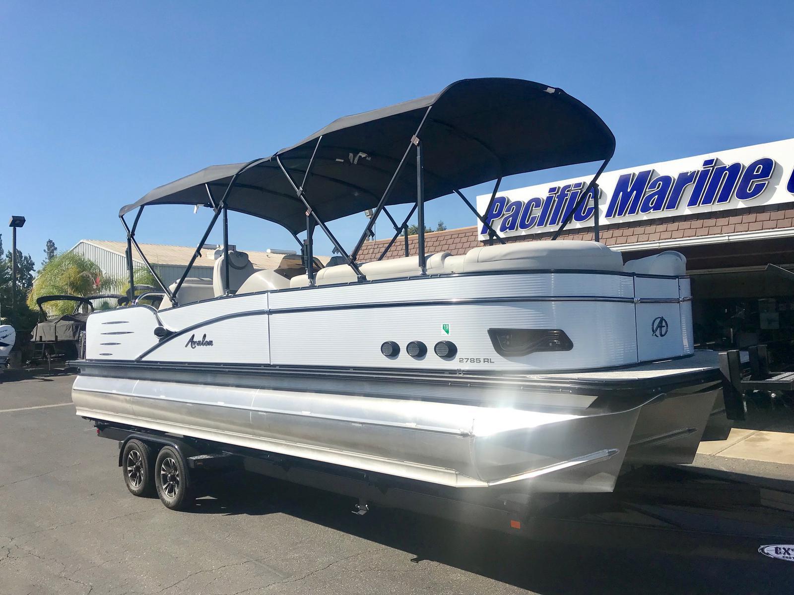 Avalon Catalina Platinum Rear Lounge 27' w/ 300 HP Verado!