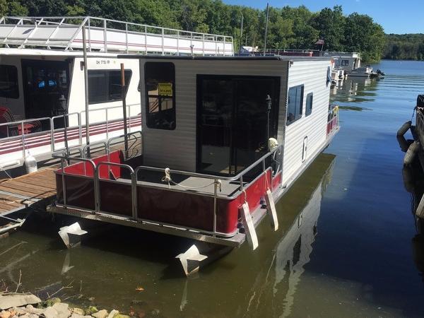 Crest Pontoon Boats 3510 Houseboat