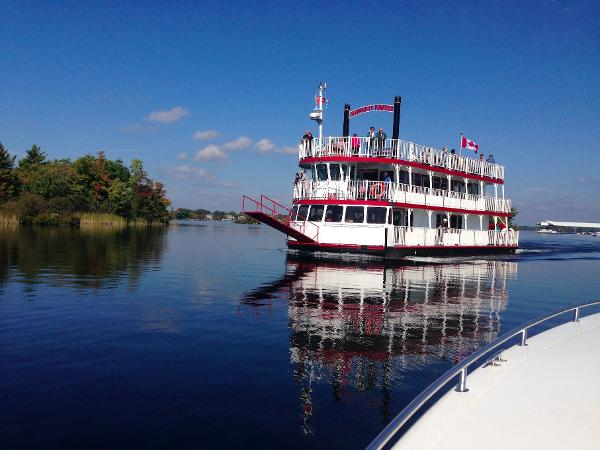Custom Paddlewheeler SERENDIPITY PRINCESS entering harbour