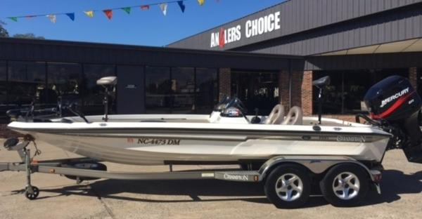 Champion Boats 203