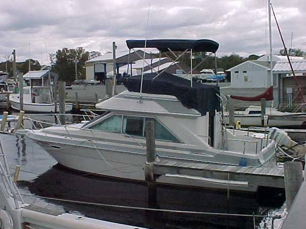 Sea Ray 265 Sedan Bridge