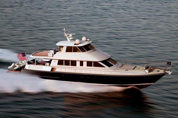 Hunt Yachts 80