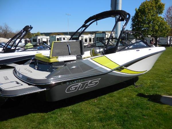 Glastron GTS 205