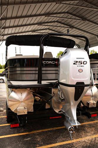 Coach Pontoons 265RFC 5 Series