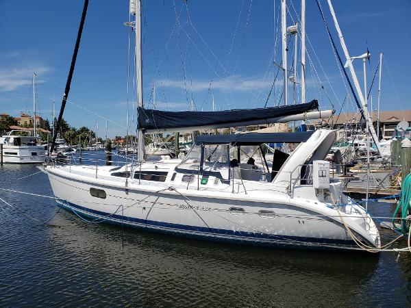 Hunter 410 A Fine Cruising Sailor