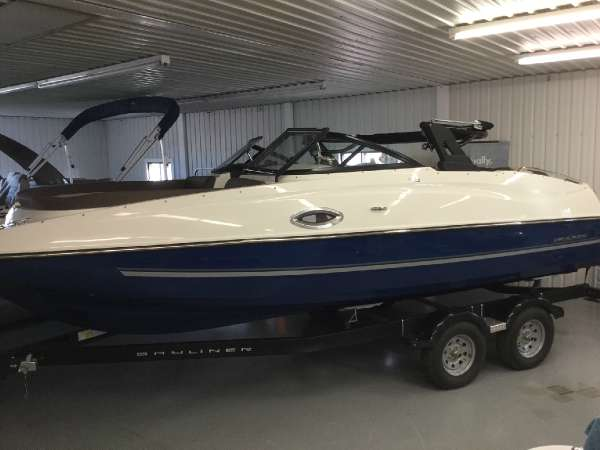 Bayliner 215 Deck