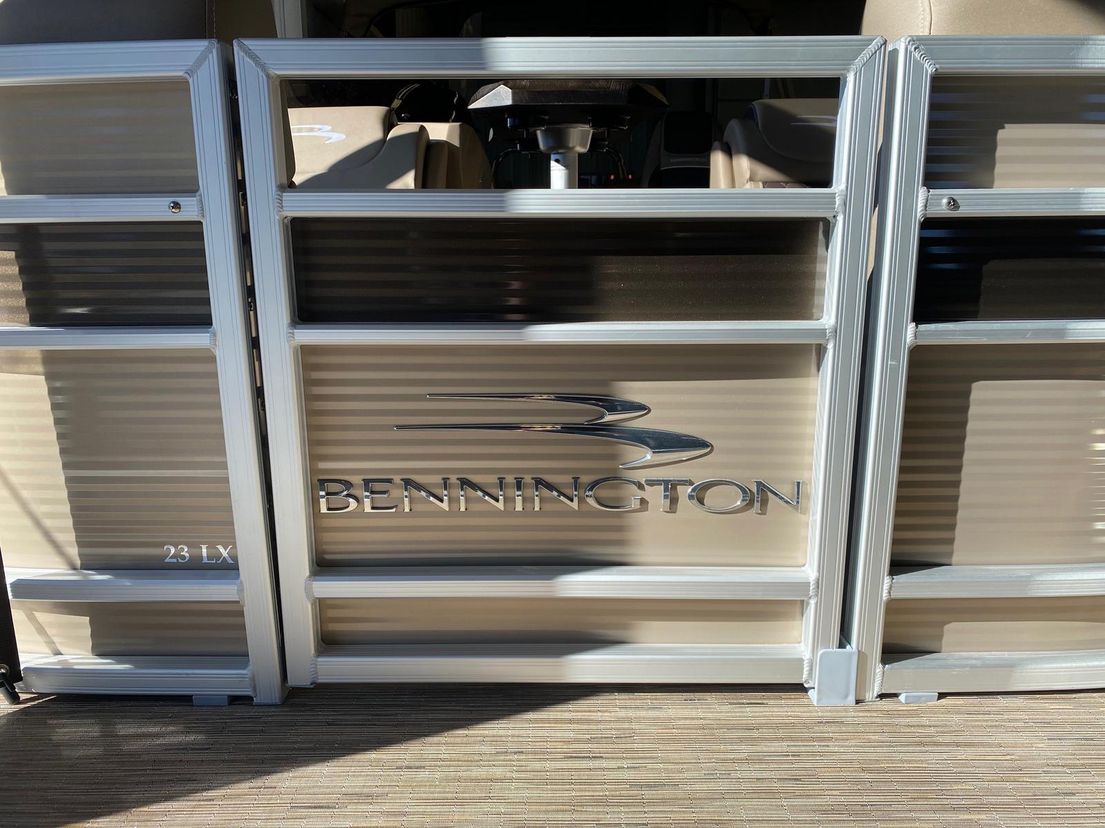 Bennington 23 LXSR