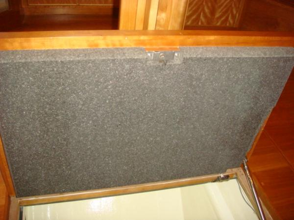67' Lyman-Morse bilge hatch insulation