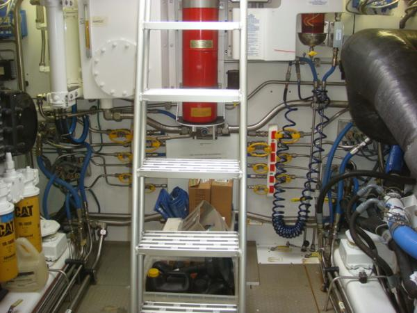 67' Lyman-Morse engine room forward