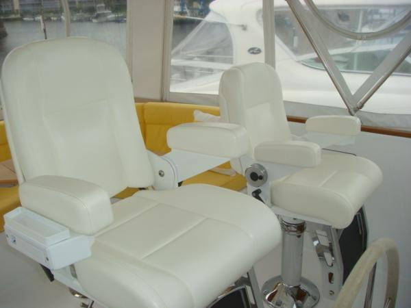 67' Lyman-Morse flybridge helm seats