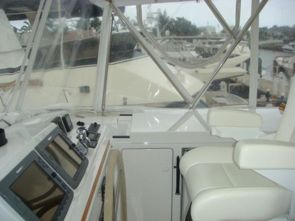 67' Lyman-Morse flybridge starboard