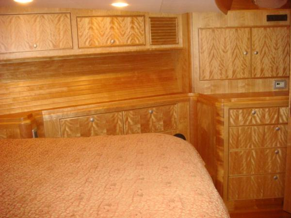 67' Lyman-Morse guest stateroom starboard