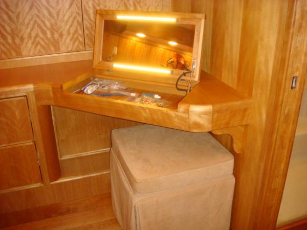 67' Lyman-Morse master stateroom vanity