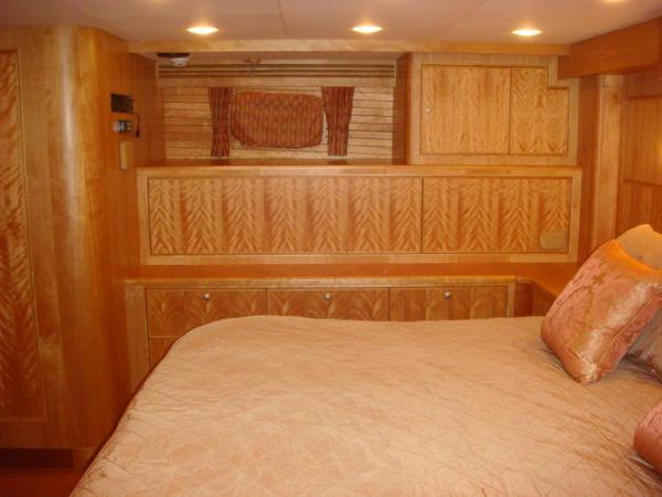 67' Lyman-Morse master stateroom starboard