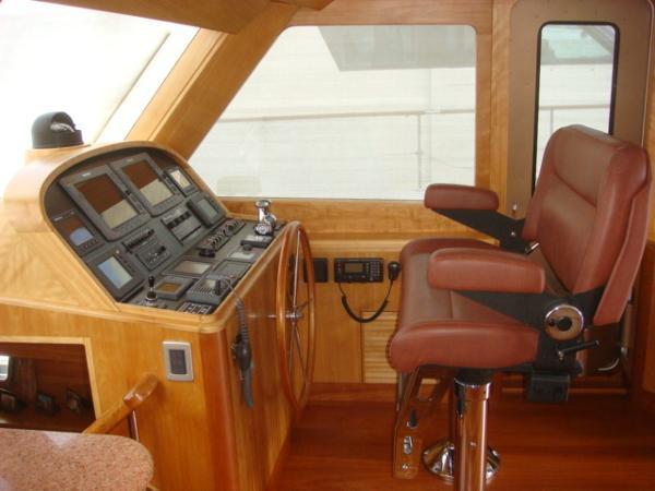 67' Lyman-Morse pilothouse starboard