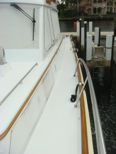 67' Lyman-Morse port side deck photo2