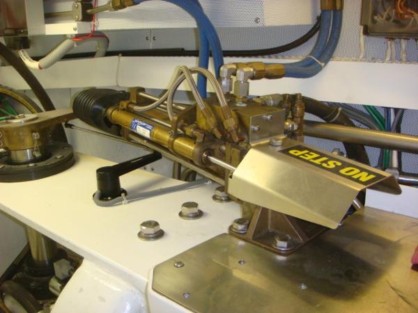 67' Lyman-Morse steering system
