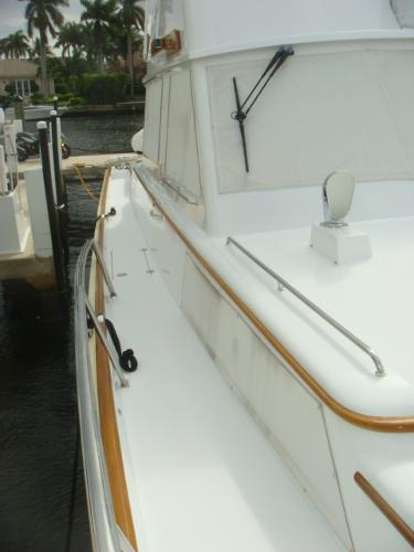 67' Lyman-Morse starboard side deck photo2