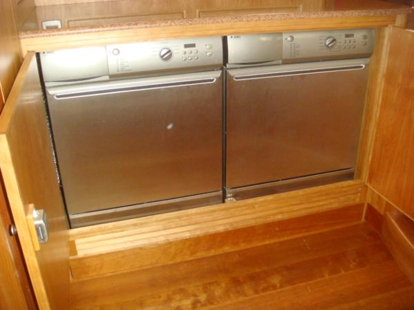 67' Lyman-Morse washer-dryer