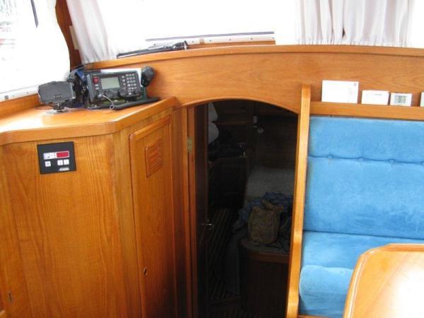 Aft to owner's cabin ( note huge hanging locker)