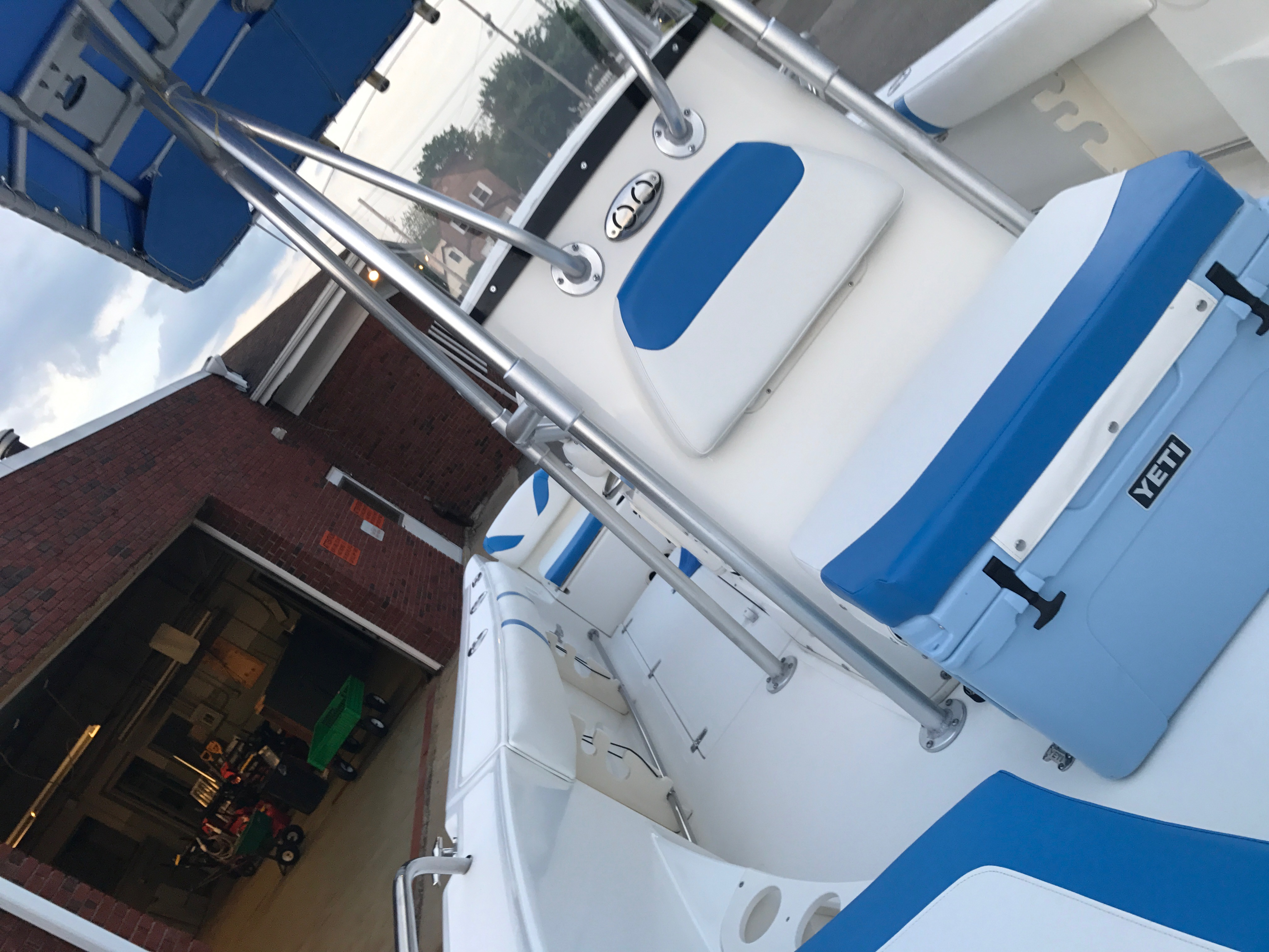 Boston Whaler Outrage 22