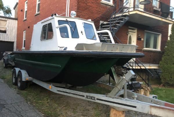 Custom 21' Aluminum Boat w/Trailer