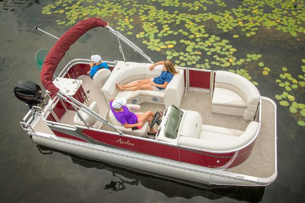 Avalon Eagle Rear Fish - 18'