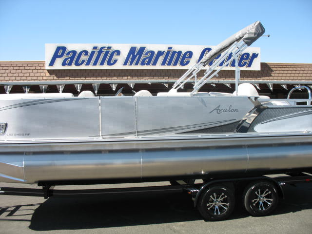 Avalon LSZ Rear Fish 24' Tri-Toon -  200HP Mercury